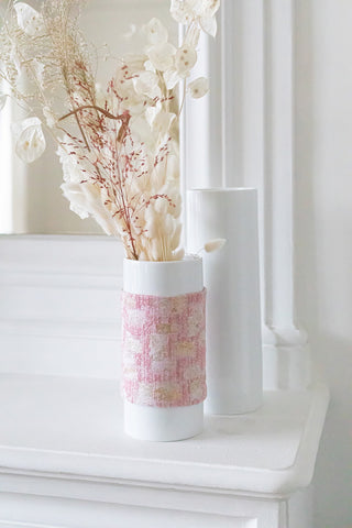 Vase en porcelaine rose et or