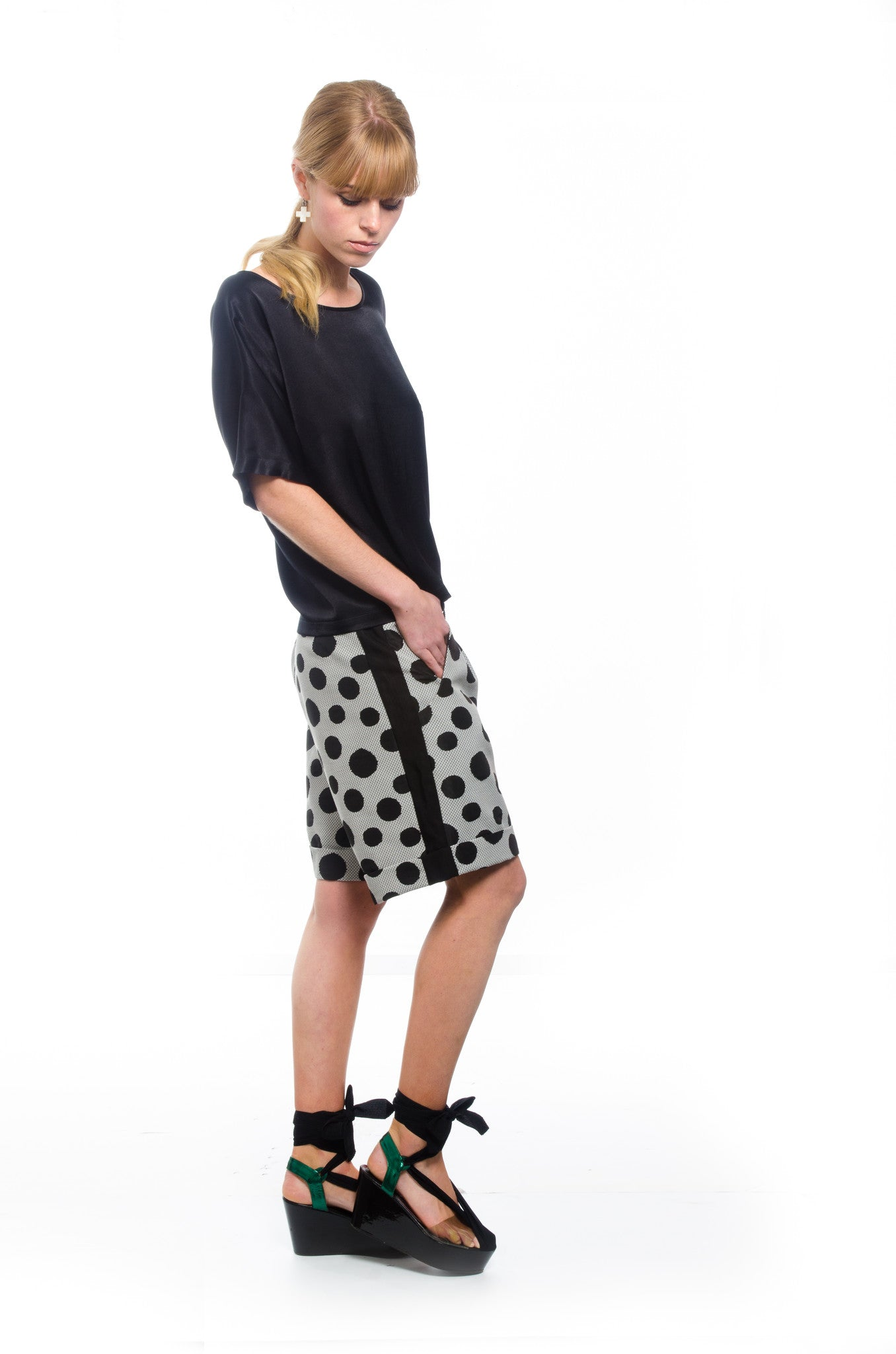 Occasion Short - Moonstruck (black spot)