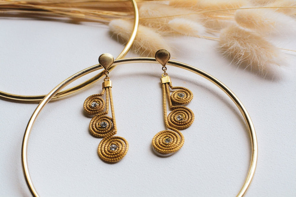 Golden Grass Side Eye Earrings