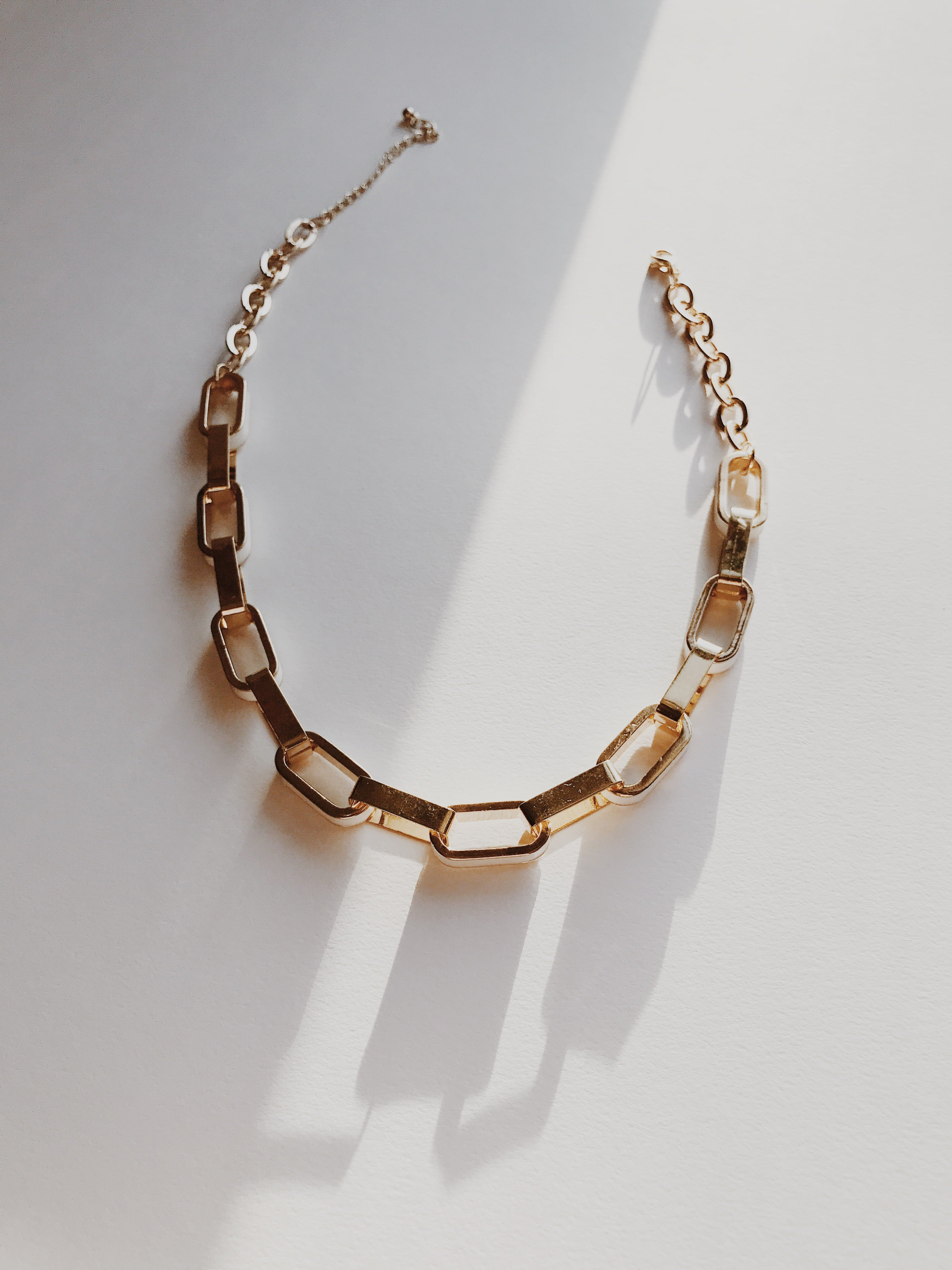 Gold Cream Oval Ringlet Necklace