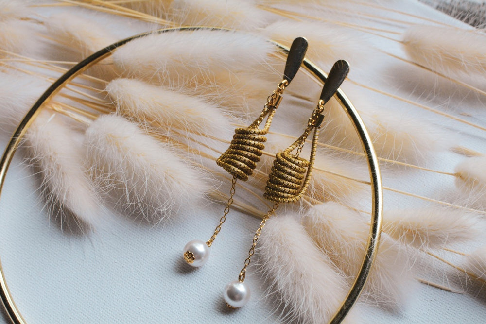 Golden Grass Floating Pearl Earrings