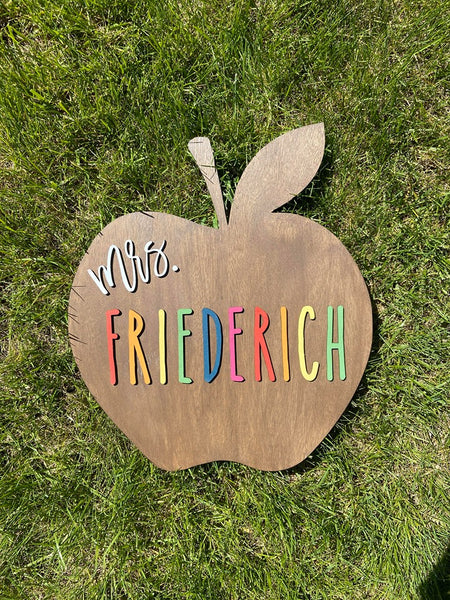 Apple Teacher 3-D Door Hanger SHIPPED