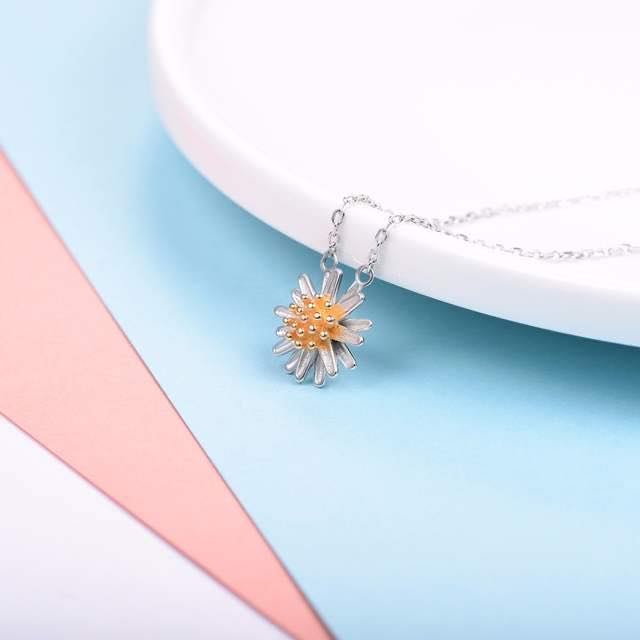 Daisy Flower Necklace
