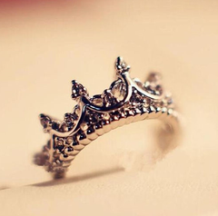Queen Silver Ring
