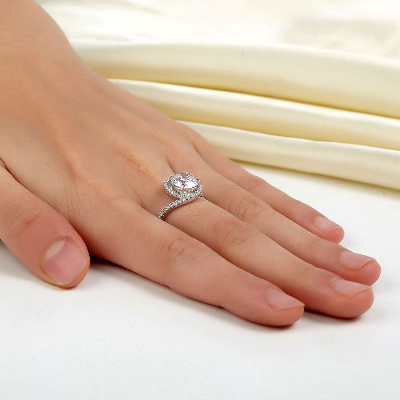 Lovely Diamond Swirl Ring