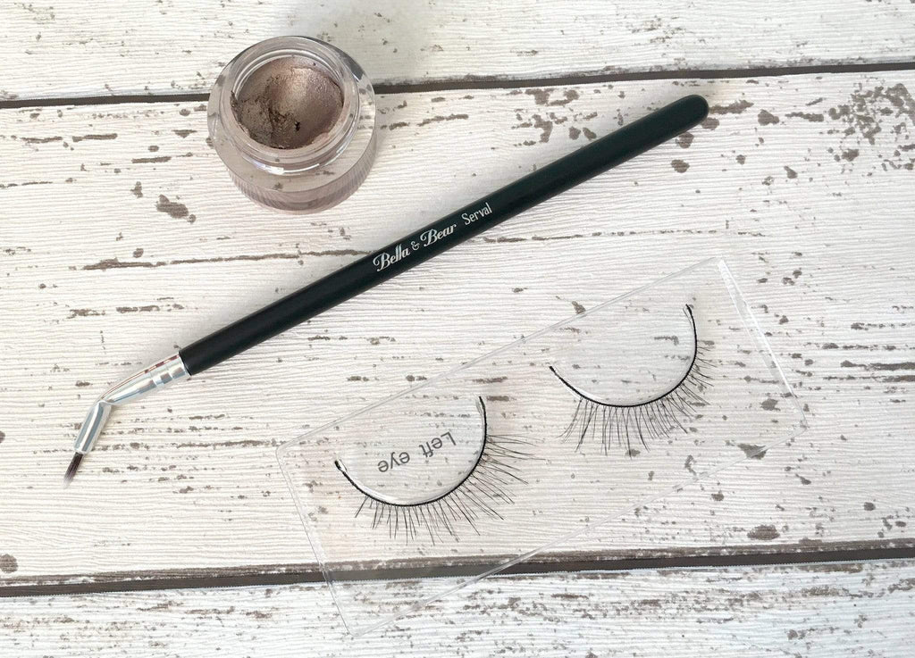 A Closer Look; The Serval Angled Liner Brush