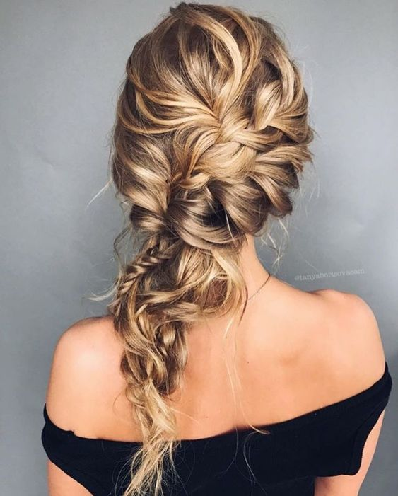 Wedding hair trends 2020 | Braided hairstyle for brides - Elibre handmade headpieces and veils