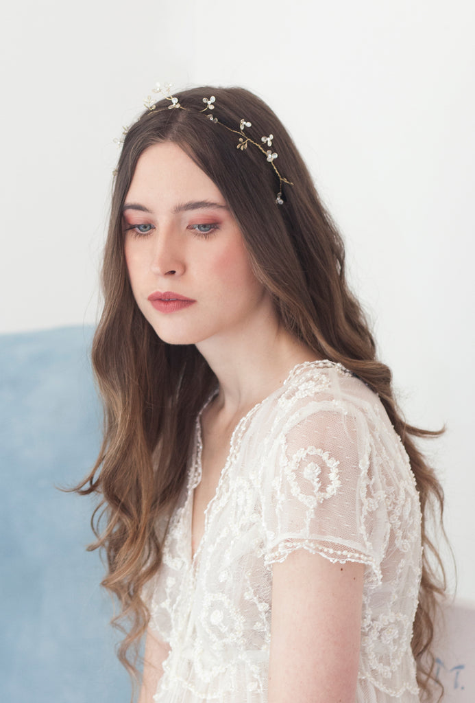 Delicate flower halo crown | Elibre handmade
