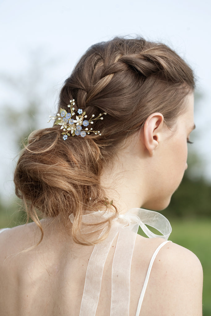 Wedding blue flower hairpiece