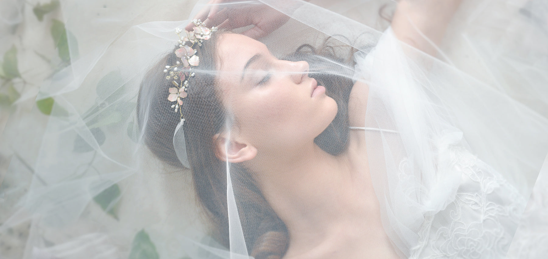 How To Guide To Buy Bridal Accessories Online