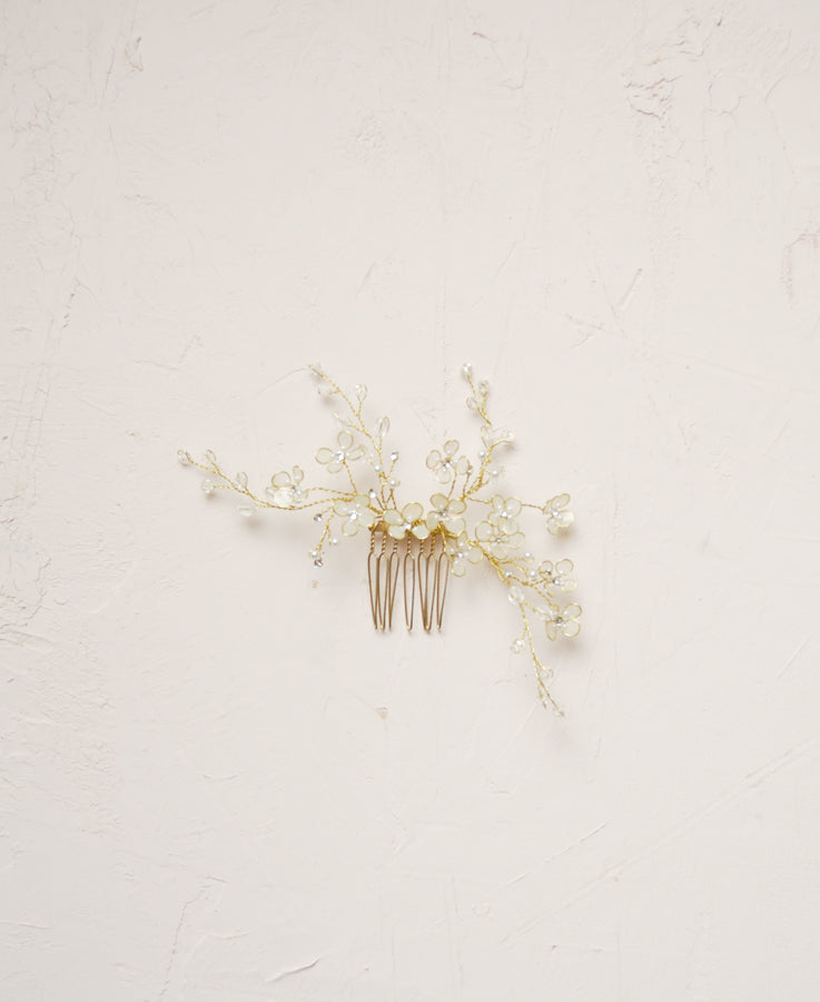 Bridal petite flower hair piece for bride | Elibre handmade