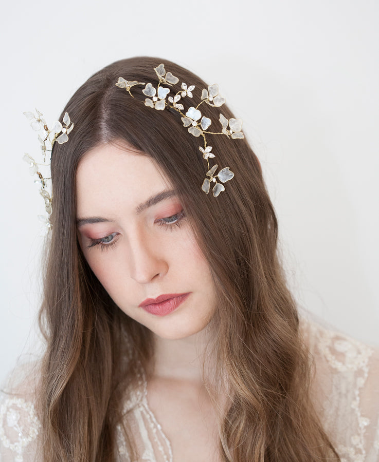 bride floral hair accessories | Elibre handmade