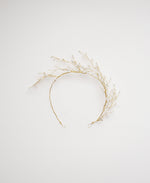 White bead and gold wire accessories | Elibre handmade