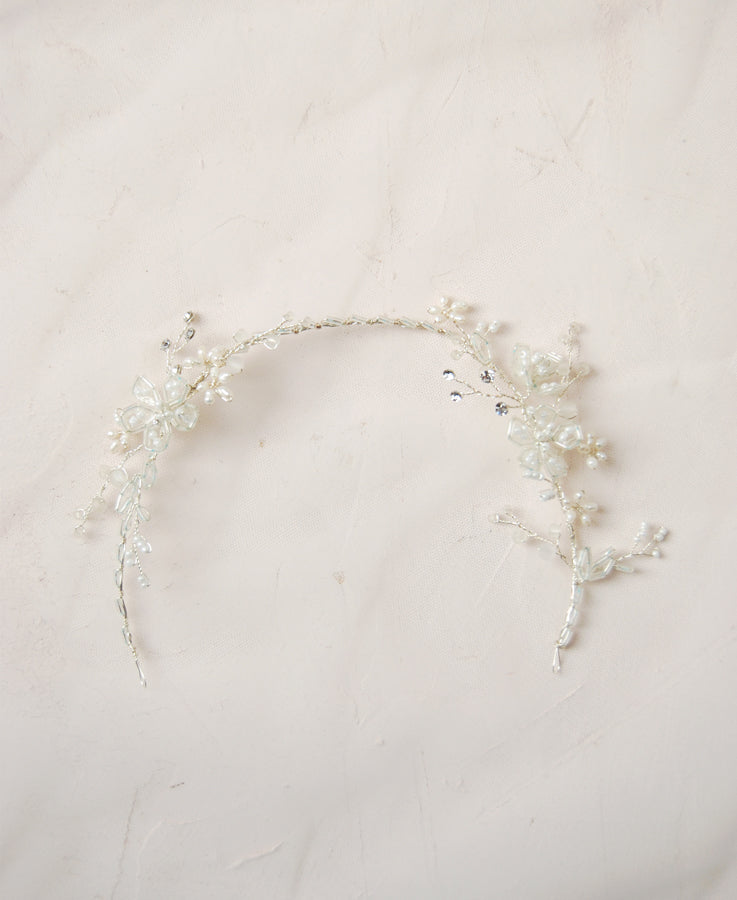 Bride white hair crown with pearl flowers | Elibre handmade