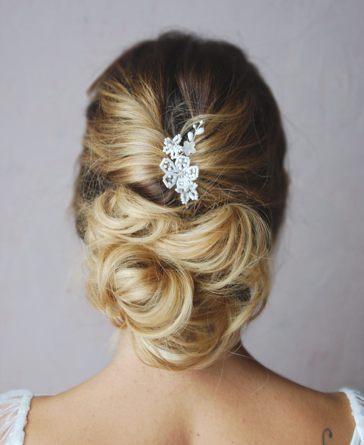 White beaded floral bobby pin
