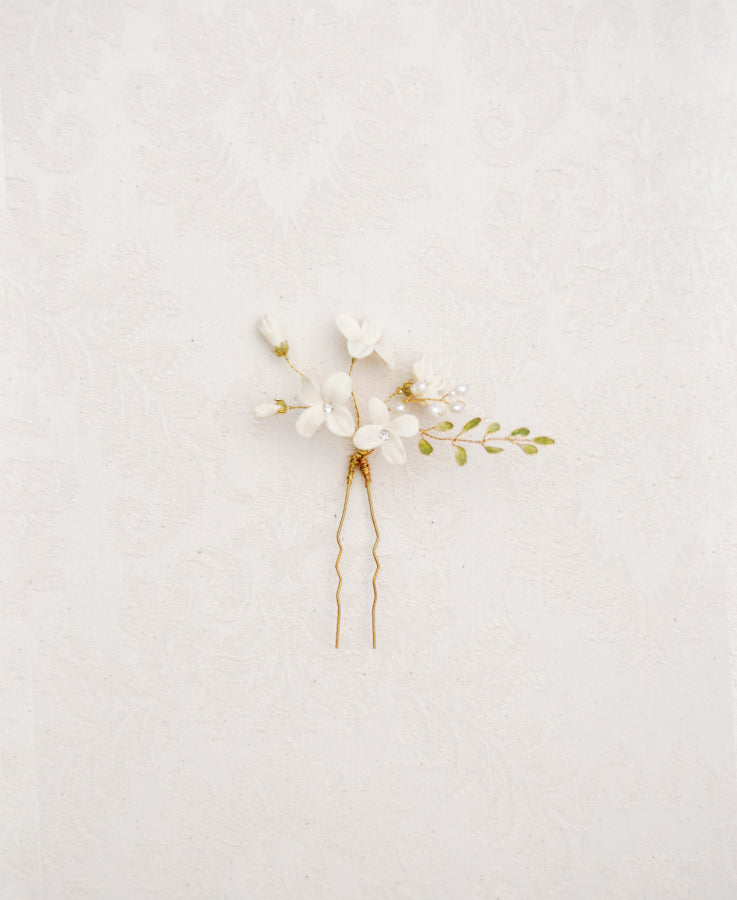 Bridal white flower hairpin | Elibre handmade