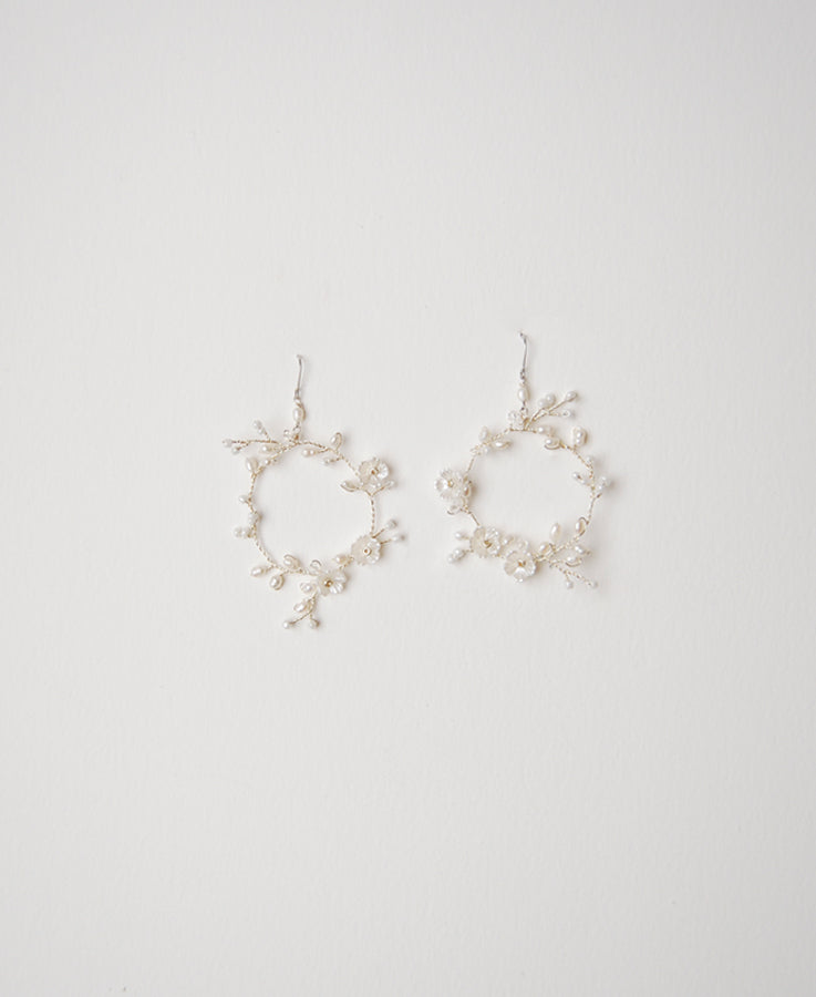 Pearl and crystal dangle earrings | Elibre handmade