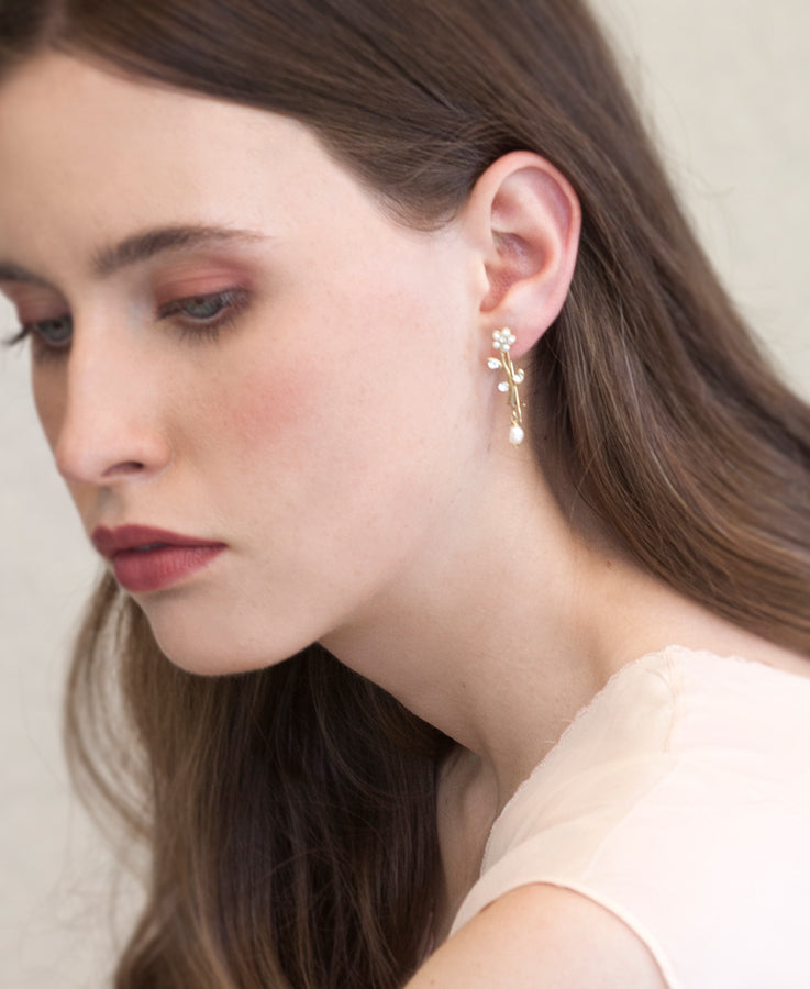 Pearl flower stem earrings