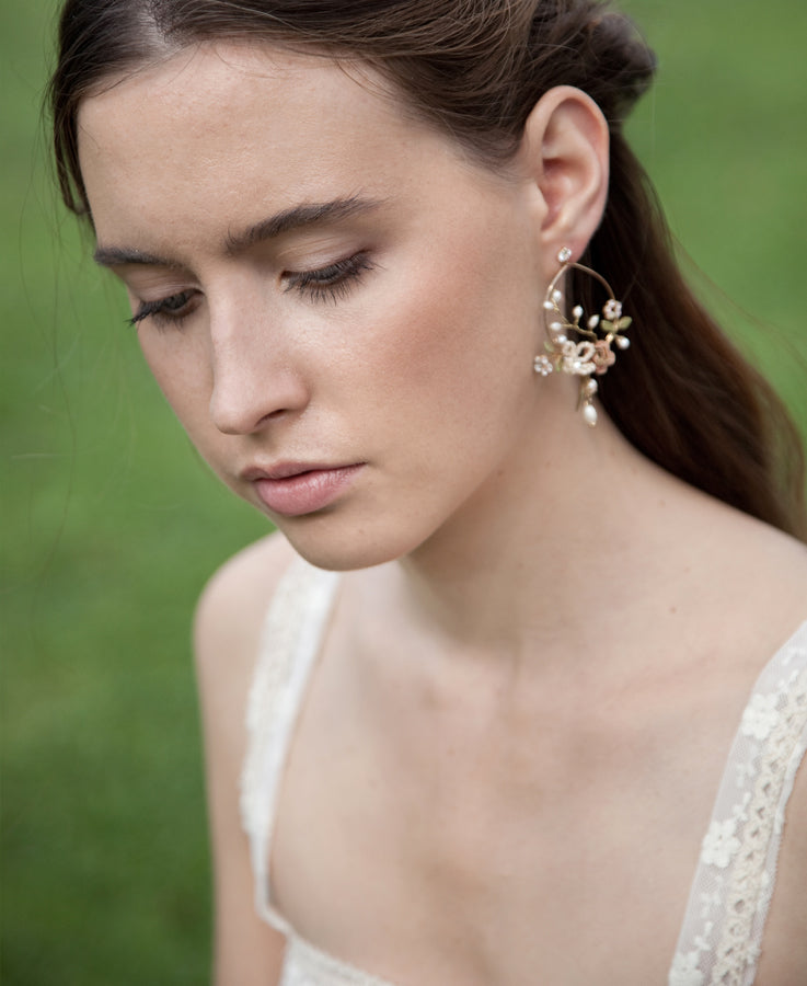 Pearl and crystal floral earrings | Elibre handmade