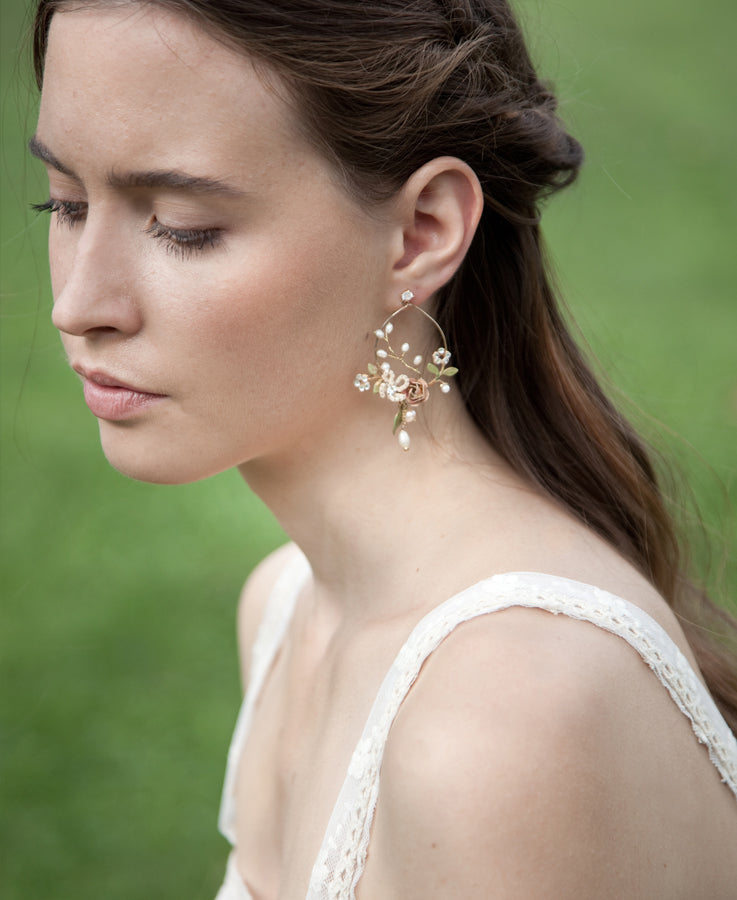 Bridal flower and leaf chandelier earrings | Elibre handmade