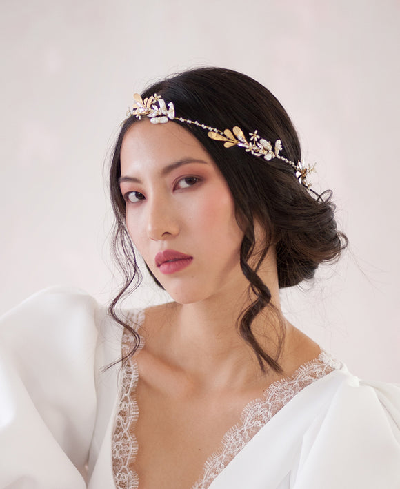Bridal Beach inspired halo crown | Elibre handmade