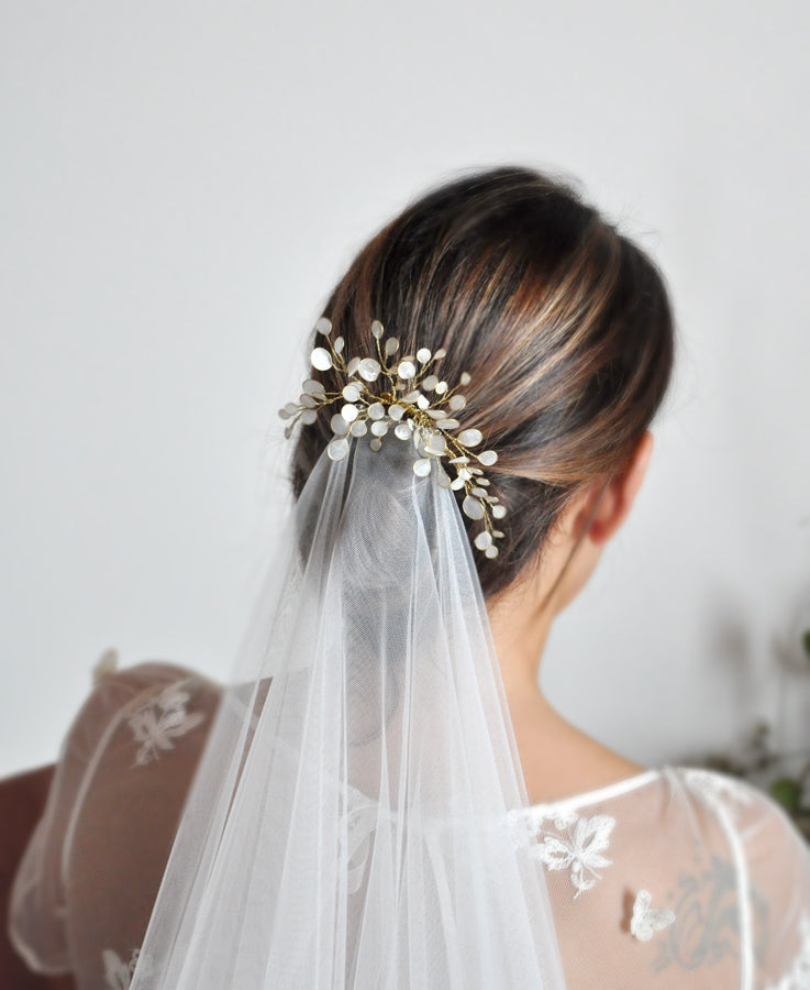 bridal wedding headpiece and veil