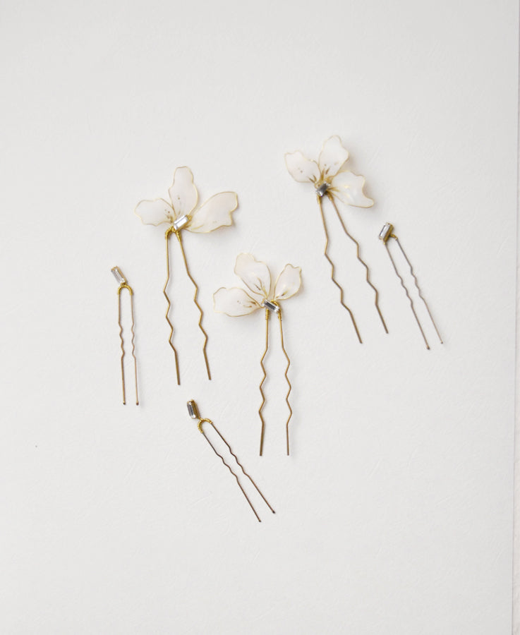 Modern petal & crystal hair set of 6