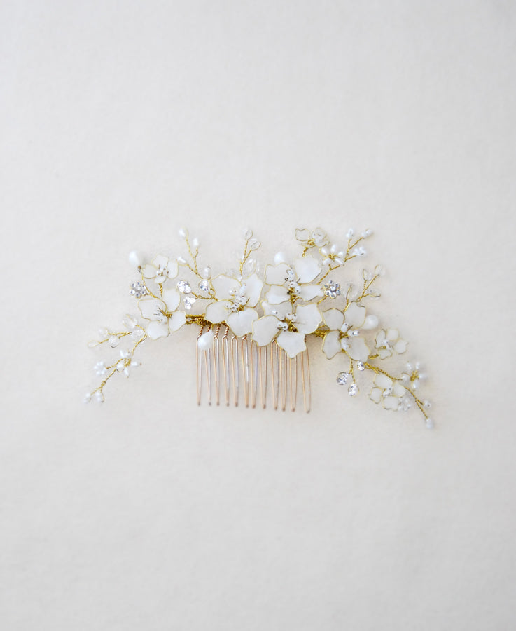 opal white flower comb
