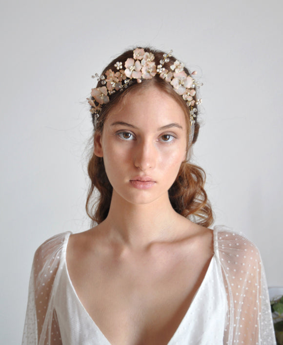 bride head band with pink flower