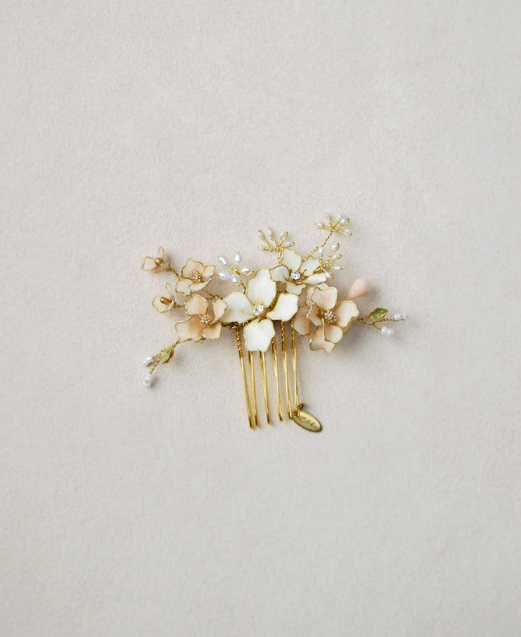 small pink flower comb