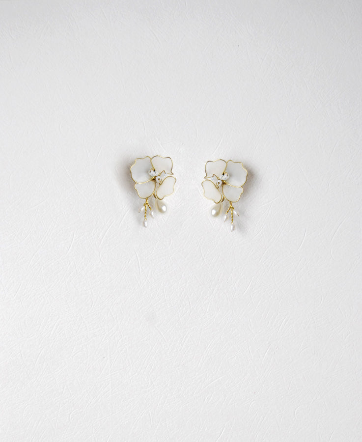 wedding white flower earrings