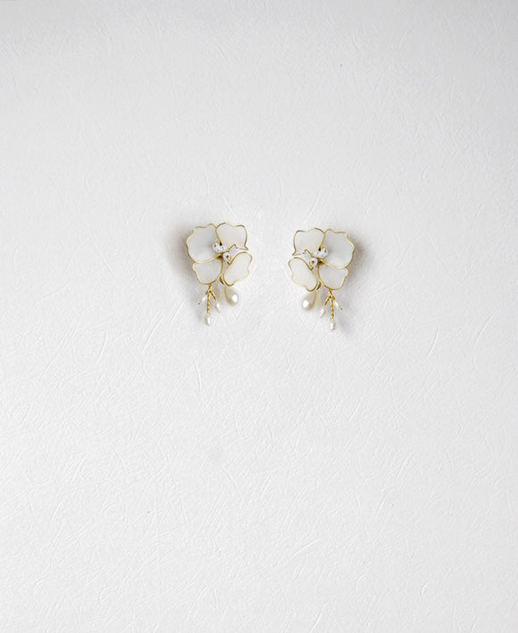 pearl floral pendant earrings