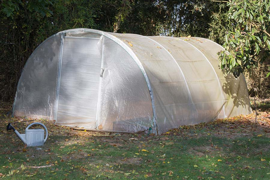 Build an Inexpensive Hoop Greenhouse