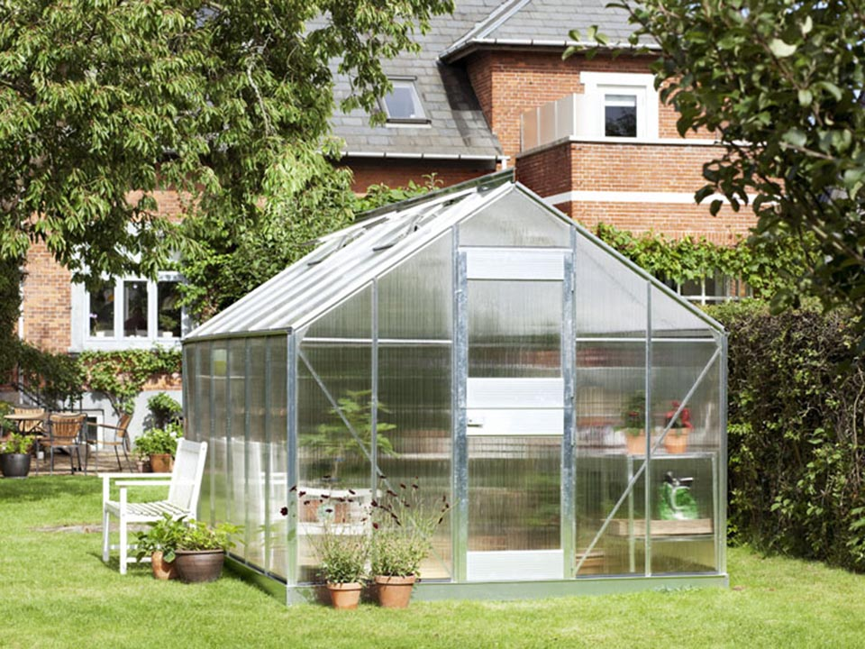 Juliana Junior Greenhouse 9ft x 14ft - Aluminum 6 mm Polycarbonate - closed door