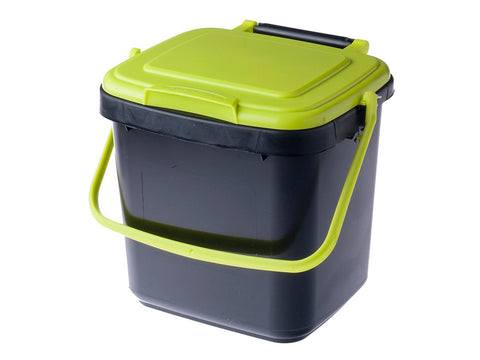 Image of Maze Kitchen Caddie Compost Bin 1.85 gal with closed lid and white background