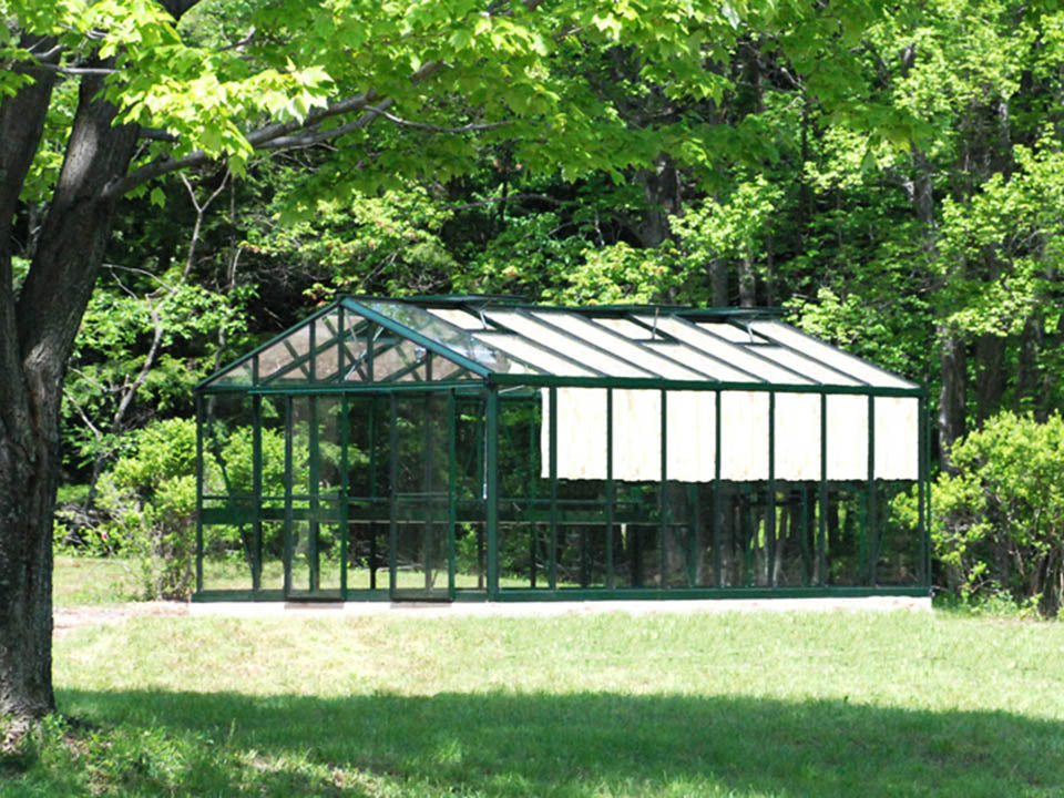 Side view of the Janssens Royal Victorian VI46 Greenhouse 13ft x 20ft