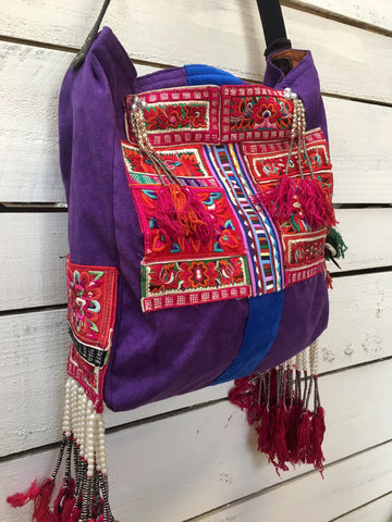 Lucia tassel shoulder - Red, fuchsia and green