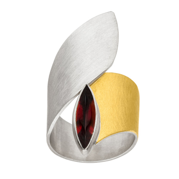*new* MANU SILVER & GOLD RING WITH GARNET