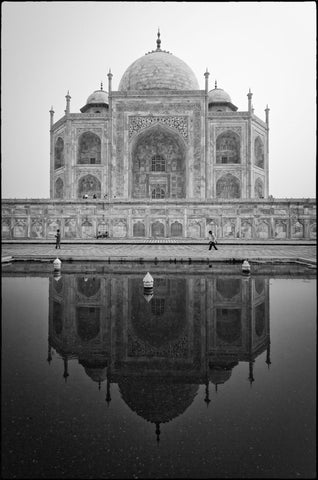 Taj Mahal Reflection - Canvas Prints