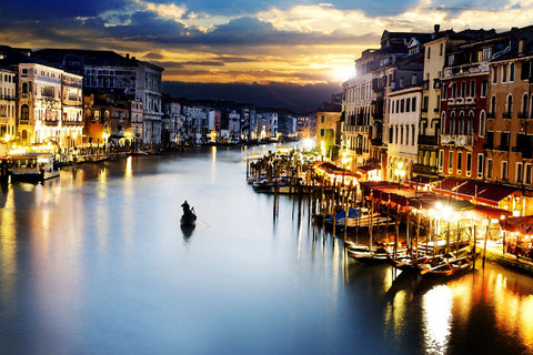 A Beautiful Twilight View Of Venice Grand Canal And Gondola - Painting