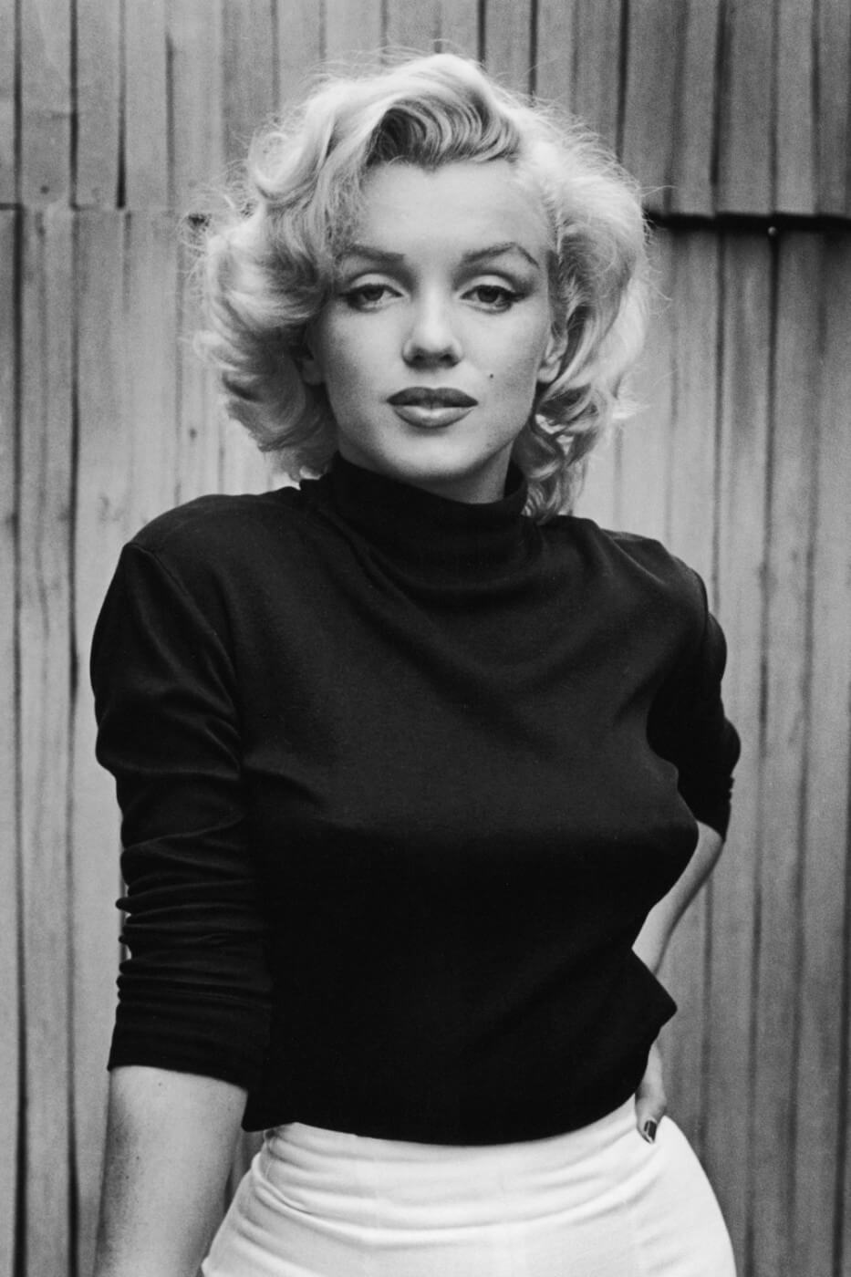 MARILYN MONROE  BLACK AND WHITE PICTURE PRINT ON FRAMED CANVAS