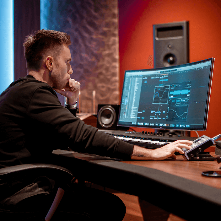 Nicky Romero using REFERENCE plugin whilst mixing