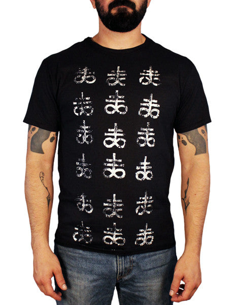 satanic cross pattern t-shirt
