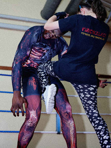 zombie vs muay thai knee