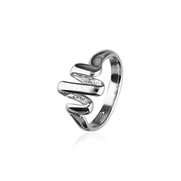 Twist & Shout Silver Ring R396
