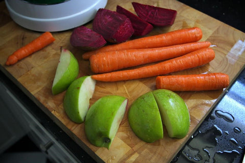 Make a Juice Blend of Beet, Carrot, and Apple