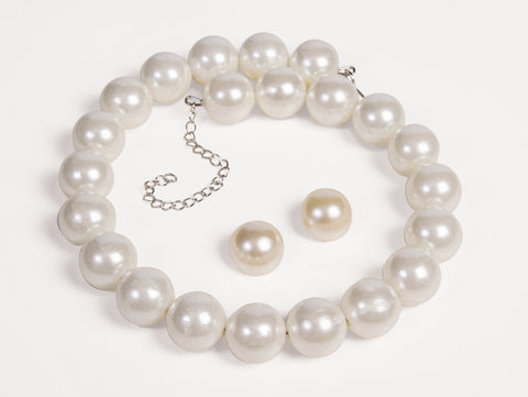 50's Pearl Necklace and Earrings - HalloweenCostumes4U.com - Accessories