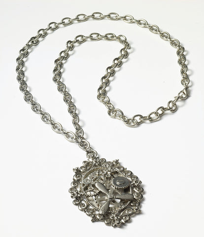 Steampunk Silver Gear Necklace - HalloweenCostumes4U.com - Accessories