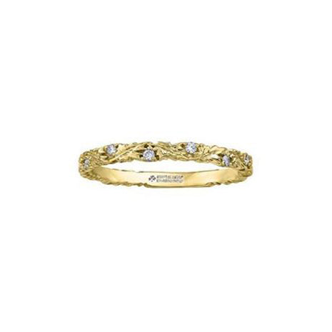 Nature inspired ring features leaves crafted from 14KT yellow Canadian Certified Gold sprinkled with 0.07 CTW of round brilliant-cut Canadian diamonds.