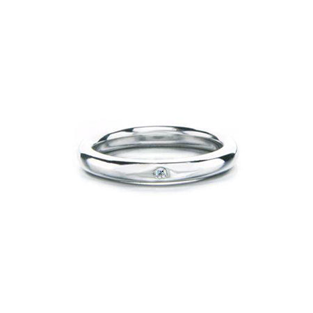 Simple band crafted in 14KT white gold, featuring a small centre diamond.